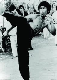 Bruce Lee High Kick B/W Maxi Poster