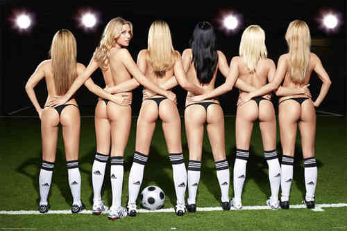 Football Girls - Maxi Paper Poster